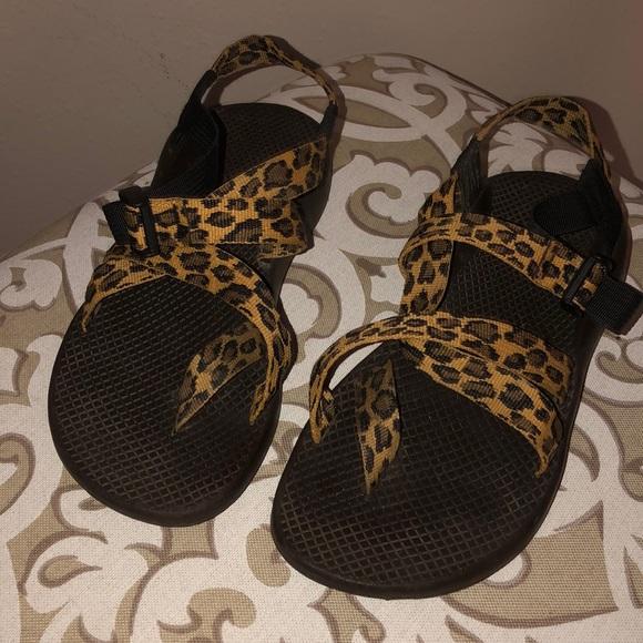 Cheetahleopard Print Toe Strap Chacos